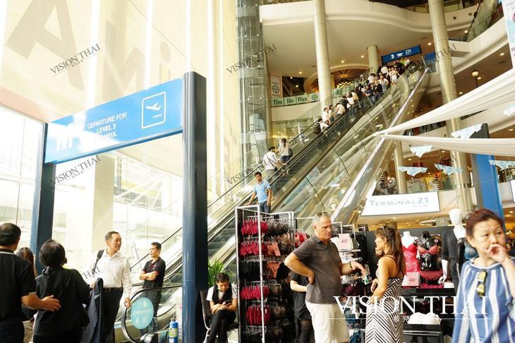 曼谷Terminal 21 Asok购物中心以机场航厦为设计(VISION THAI看到泰国)