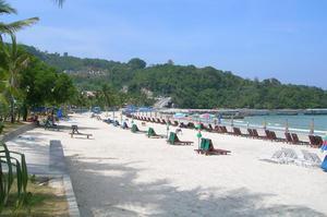 普吉芭东海滩