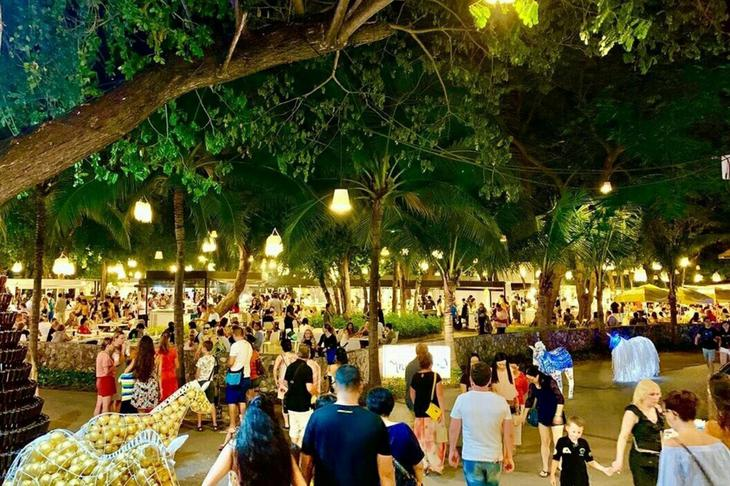 蝉鸣创意夜市风格明亮整洁(图片来源:Cicada Market)
