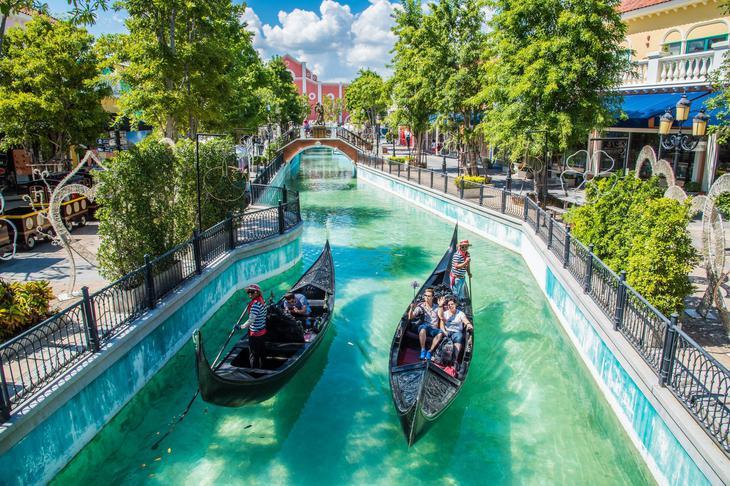 华欣小威尼斯可以乘船游览,娱乐设施也很多样(官网图片)